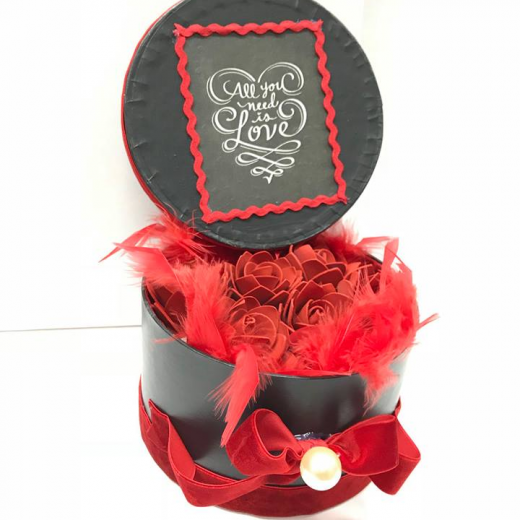 Εικόνα για Romantic Black Gift box - Roses