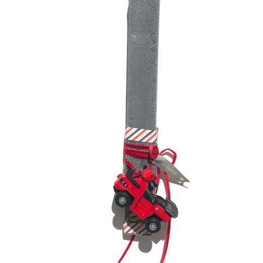 Εικόνα για Λαμπάδα γκρι πλακέ μινιατούα Γουρούνα - Ξύστρα