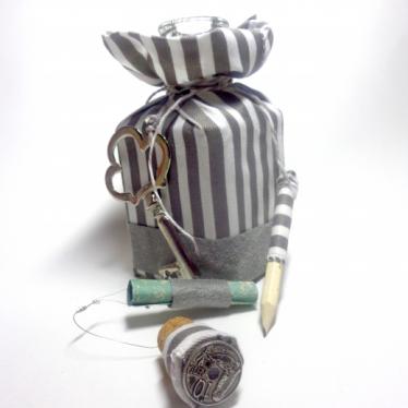 Εικόνα 2 για Γούρι Χειροποίητο Μπουκάλι Γυάλινο Grey Stripes