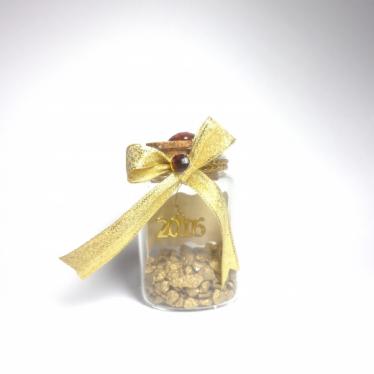 Εικόνα 2 για Γούρι γυάλινο μεσαίο μπουκαλάκι με ευχή, Χρυσές Πετρούλες