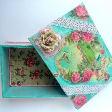 Εικόνα 2 για Ξύλινη κοσμηματοθήκη με μικρό ξύλινο κουτάκι
